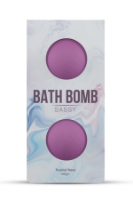 2 Bombes de bain Sassy - Dona - Détendez vous dans le bain avec les bombes de bain Dona Flirty délicatement parfumées avec des arômes aux accents tropicaux.