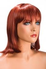Perruque Camila rousse - Perruque rousse au look résolument moderne. Camila est mi-longue avec une frange effilée.